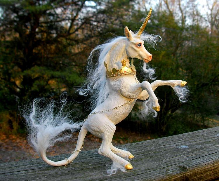 Heraldic_Unicorn_II___2_by_Indigo_Ocean