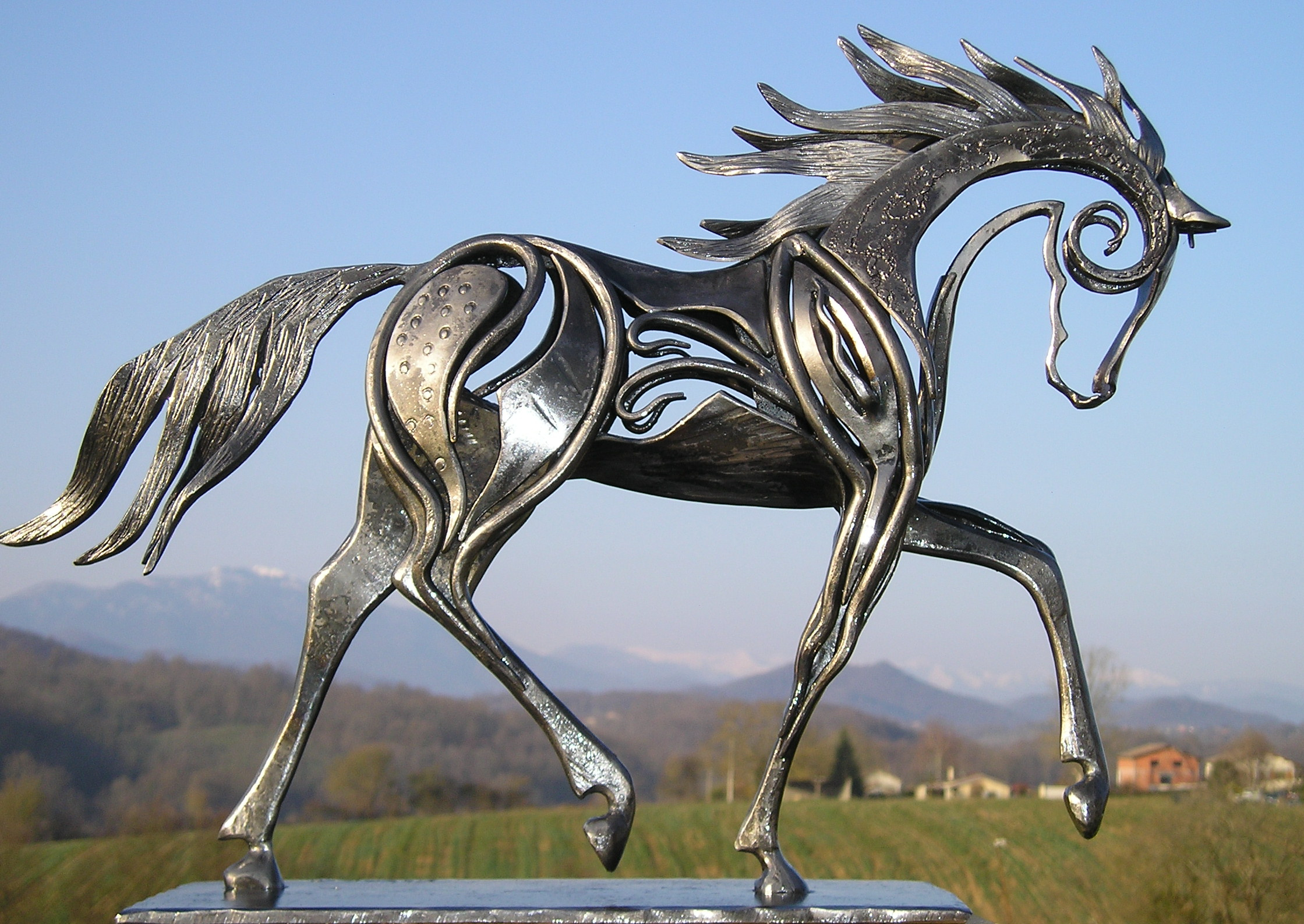 sculpture-cheval-fer-forge-Elvis_1